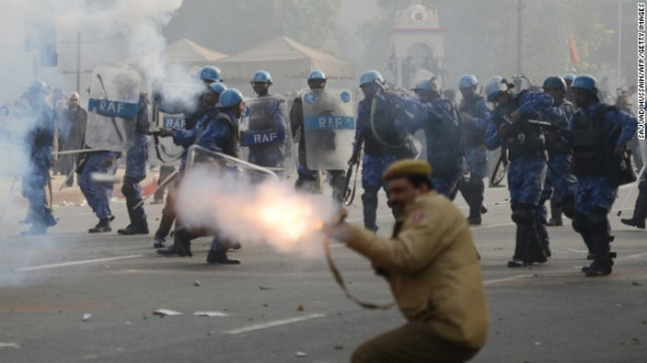 121223120022-01-india-protest-police-tear-gas-1223-horizontal-gallery